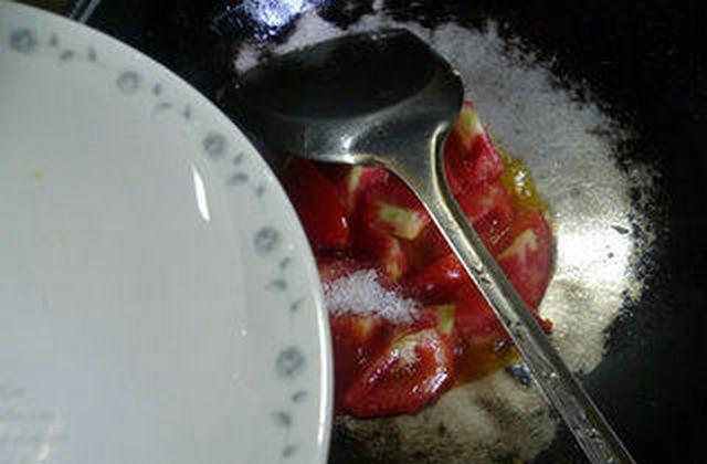 番茄炒鸡蛋盖浇螺丝面怎样煸