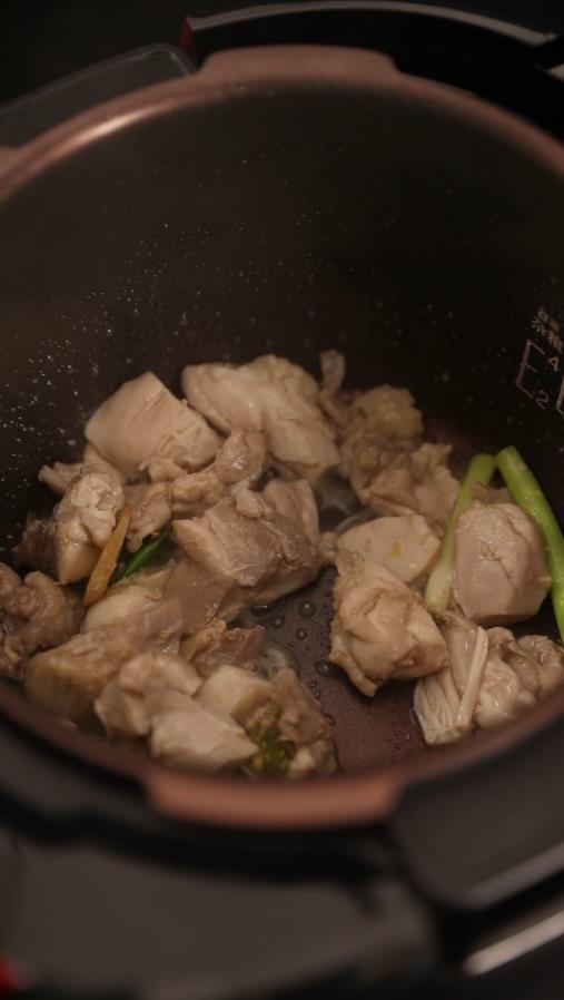 红烧鸡块的家常做法