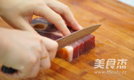 火腿青豆蒸豆腐的家常做法