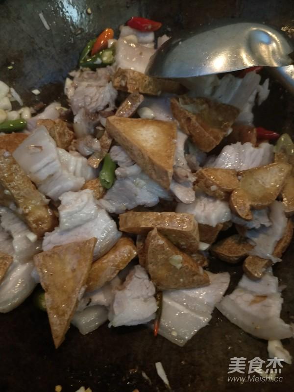 荷叶饼夹油豆腐五花肉怎样炒