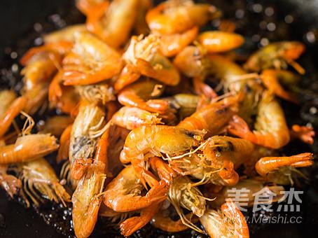 教你做正宗的上海《油爆河虾》怎么炒