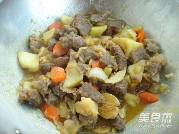 土豆烧牛肉怎样炖