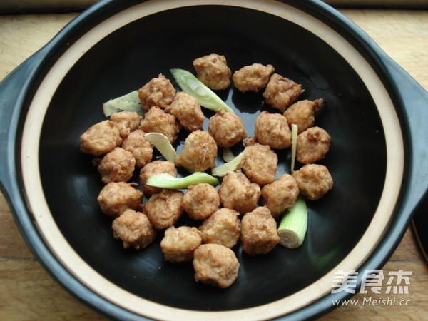 平菇丸子煲怎么做
