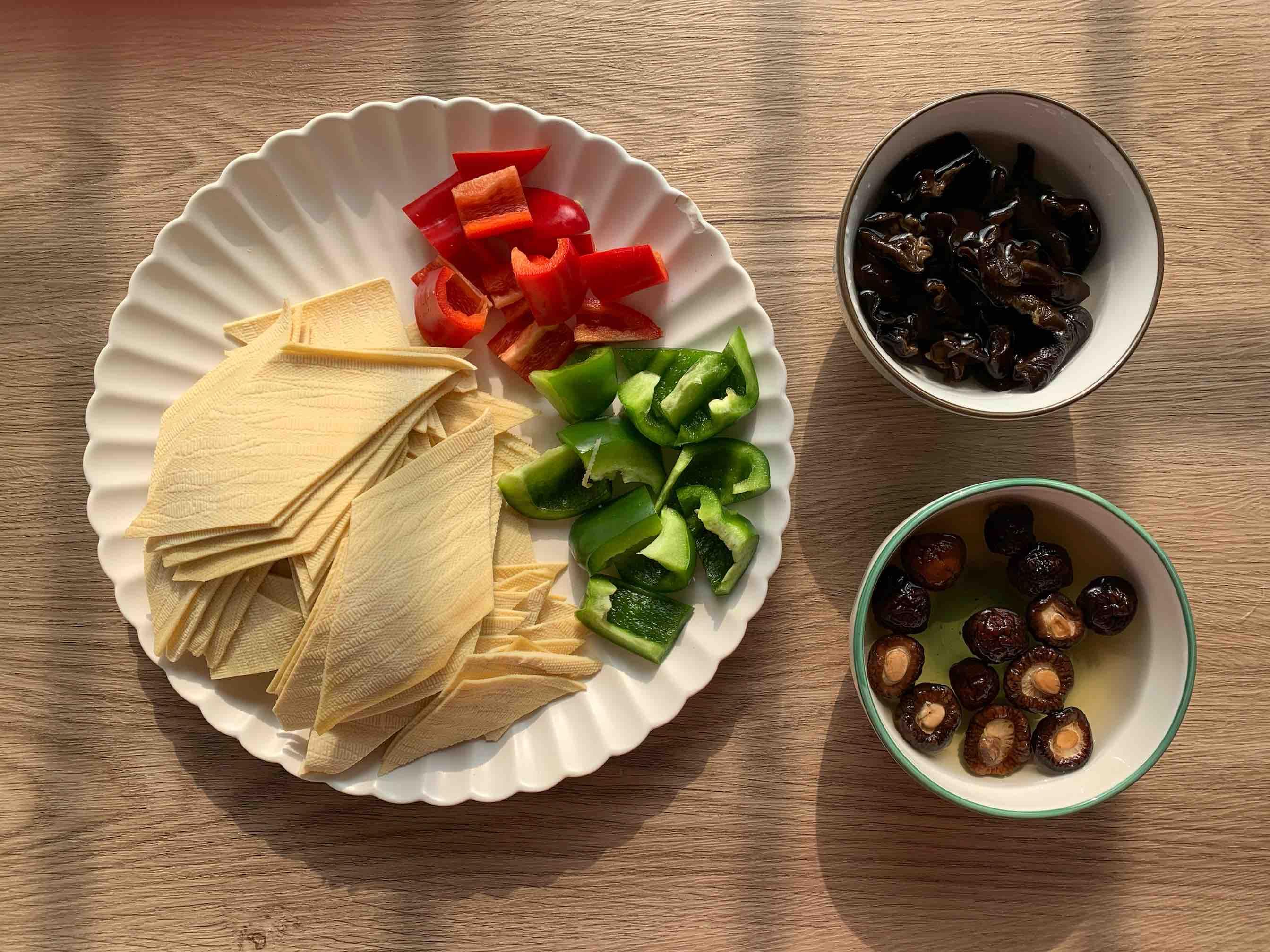 素菜也下饭‼️香辣炖豆皮的做法图解