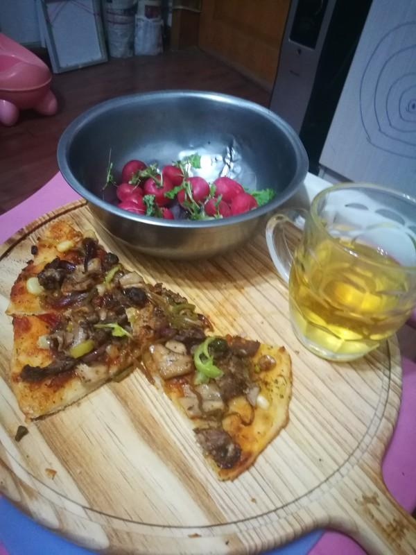 清真牛肉蘑菇披萨成品图