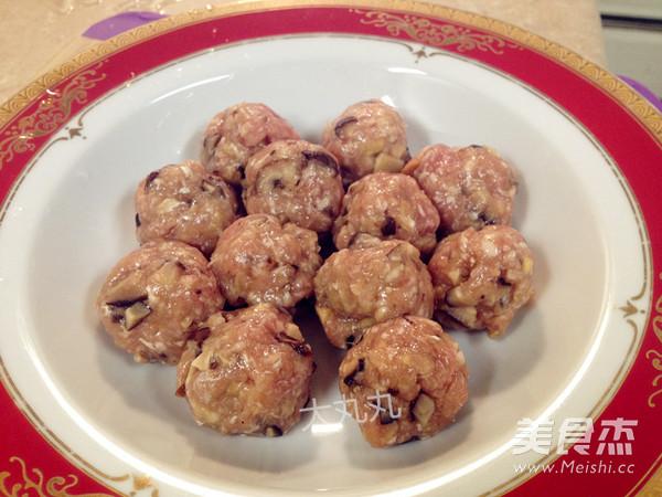 清蒸干香菇牛肉丸的简单做法