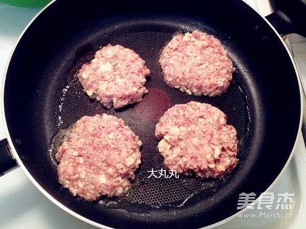 香煎豆腐牛肉饼的简单做法