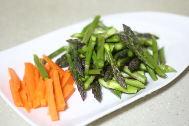 芦笋炒虾仁的家常做法