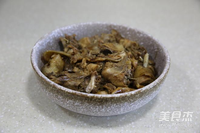 香菇板栗蒸土鸡的步骤