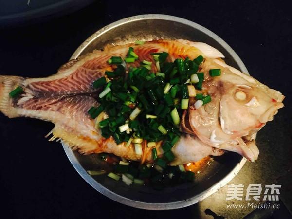 清蒸罗非鱼怎么吃