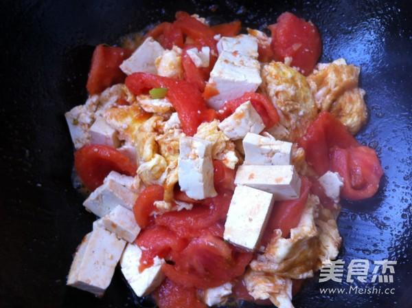 西红柿鸡蛋豆腐怎么煮