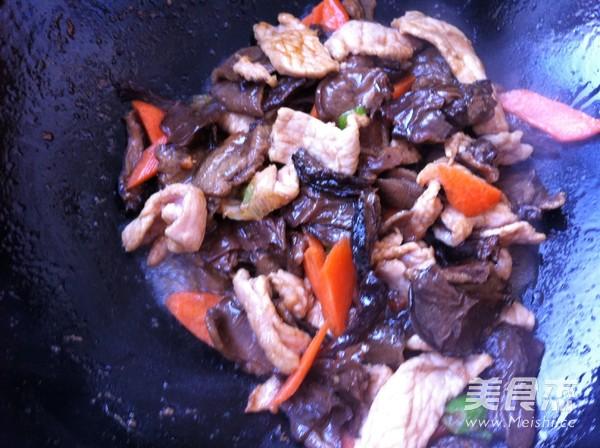 松蘑白菜豆腐炒肉怎么煮