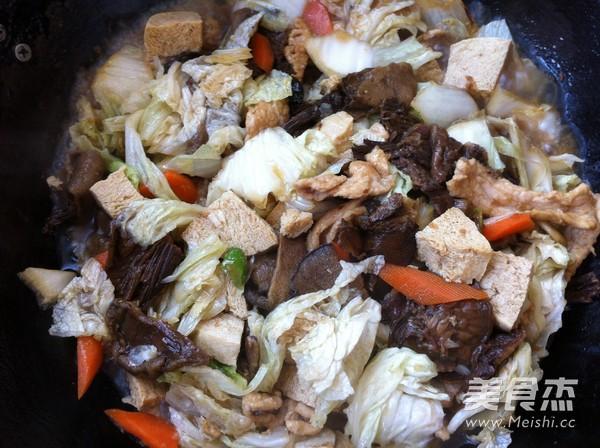 松蘑白菜豆腐炒肉怎样煸