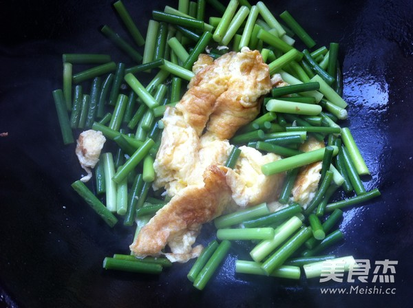 蒜苔炒鸡蛋怎么炒