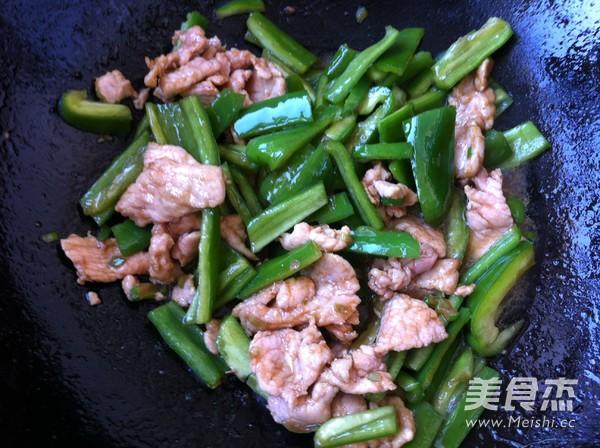 尖椒炒肉怎么做