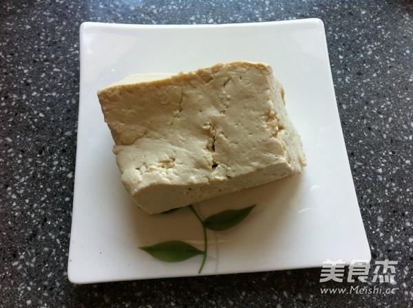 白菜豆腐炒肉的简单做法