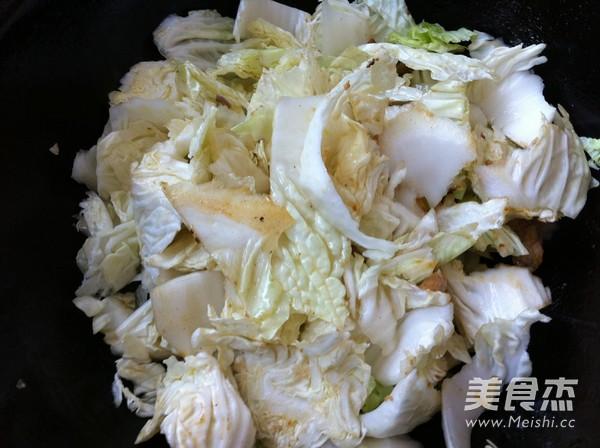 白菜豆腐炒肉怎么炒