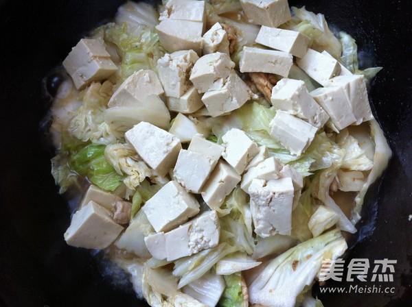 白菜豆腐炒肉怎么炖