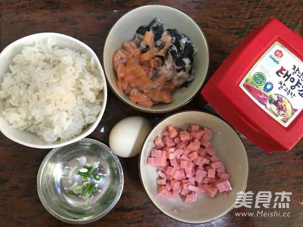 辣酱三文鱼炒饭的做法大全