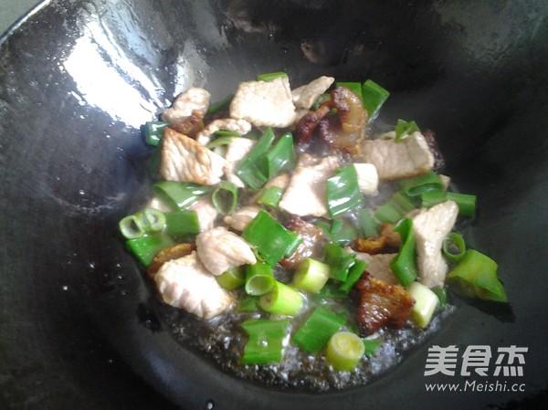 萝卜炒肉怎么做