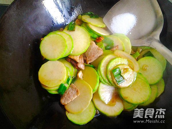 萝卜炒肉怎么煮