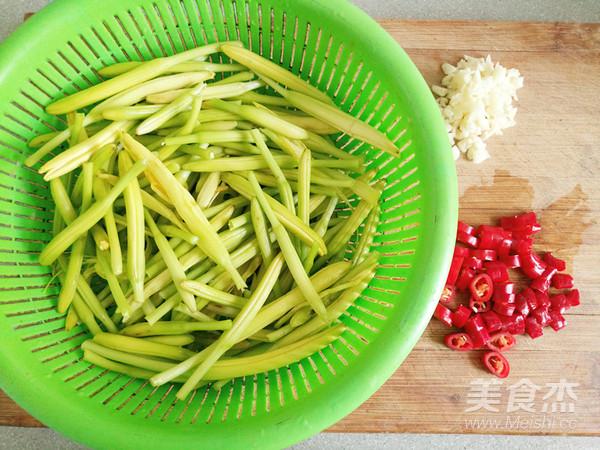 清炒黄花菜的做法图解