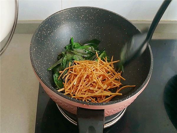 红菜苔炒馓子的家常做法
