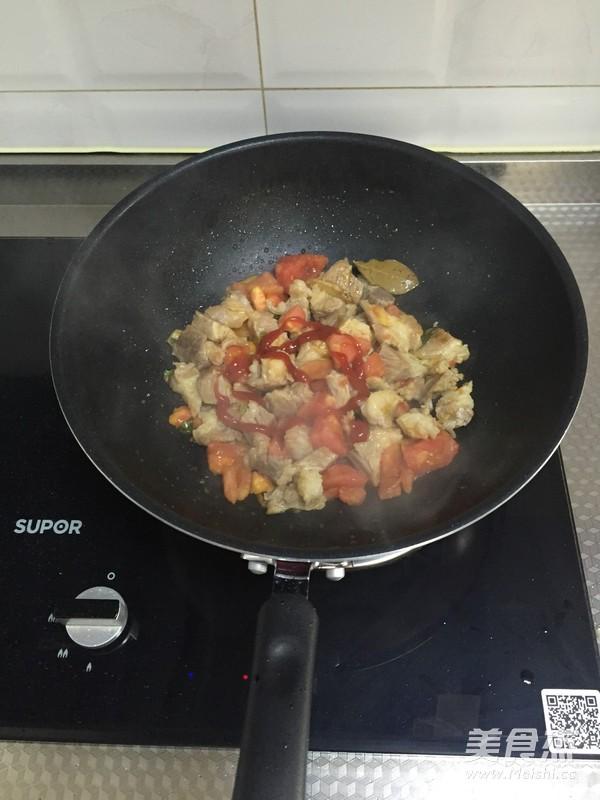 西红柿炖牛腩怎么做