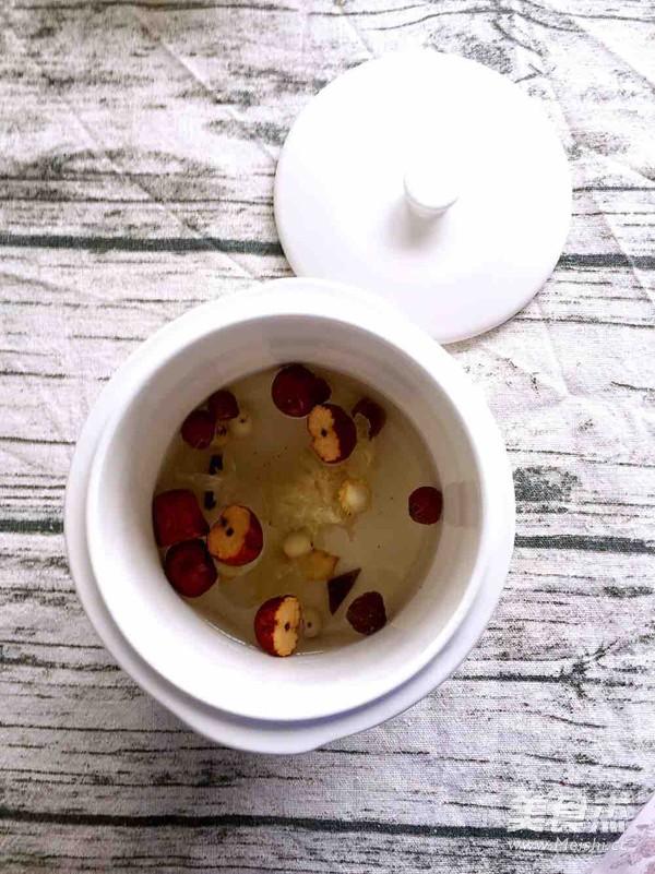 红枣桂圆莲子羹的简单做法