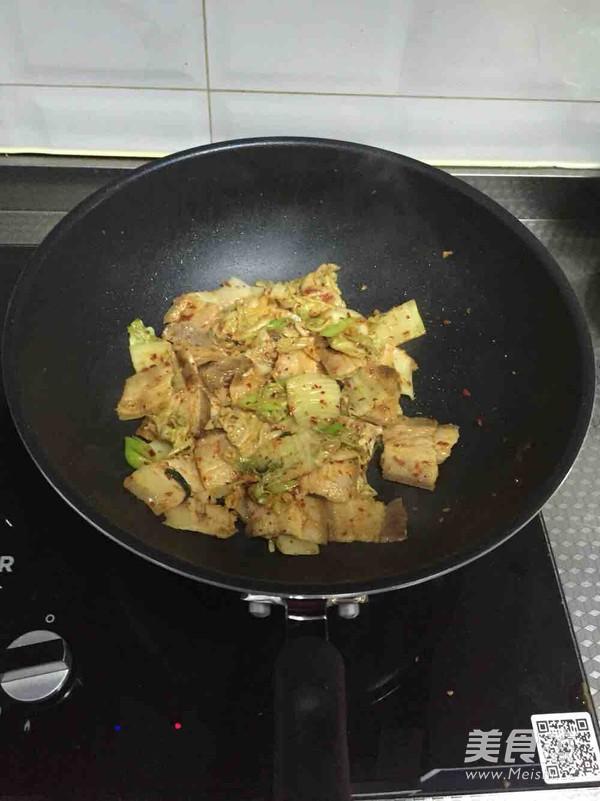 韩式辣白菜炒五花肉怎么做