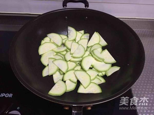 西葫芦时蔬小炒的简单做法