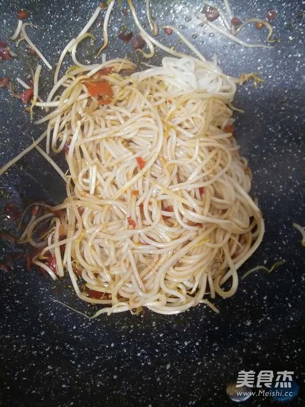 炒米线怎么吃