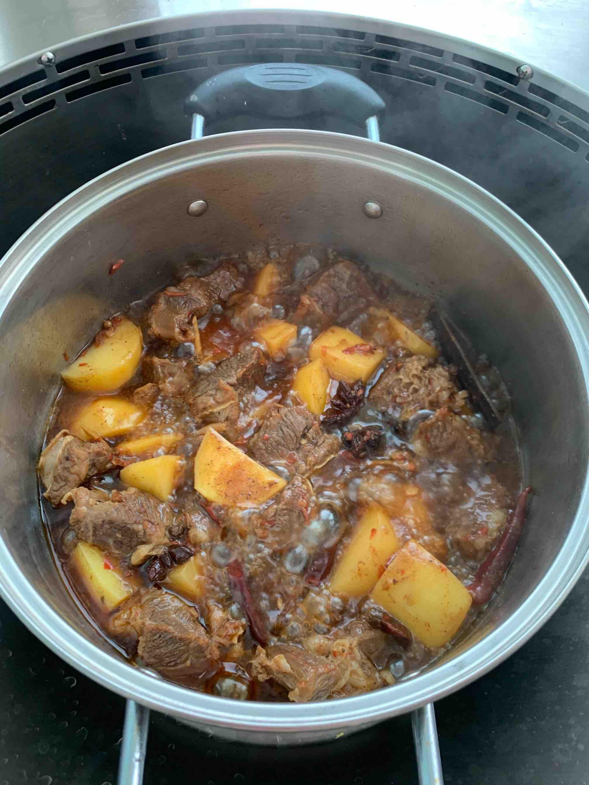 土豆红烧牛肉怎么吃