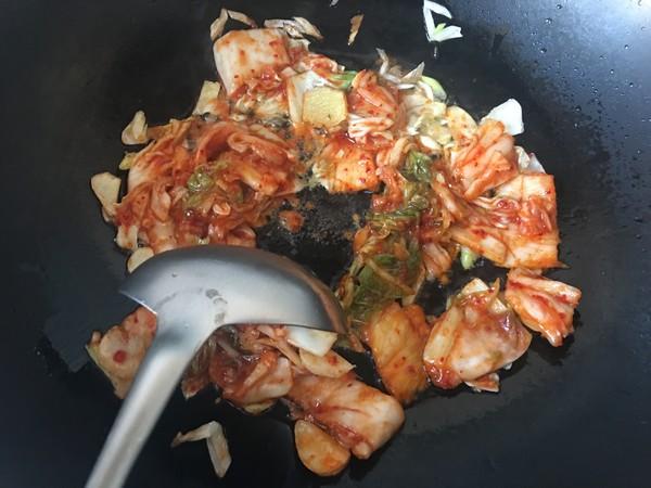 泡菜龙利鱼火锅的家常做法