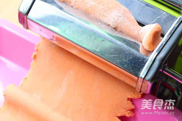 自制彩色手工面条怎么炒
