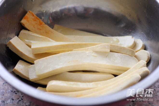辣烤豆腐条怎么做