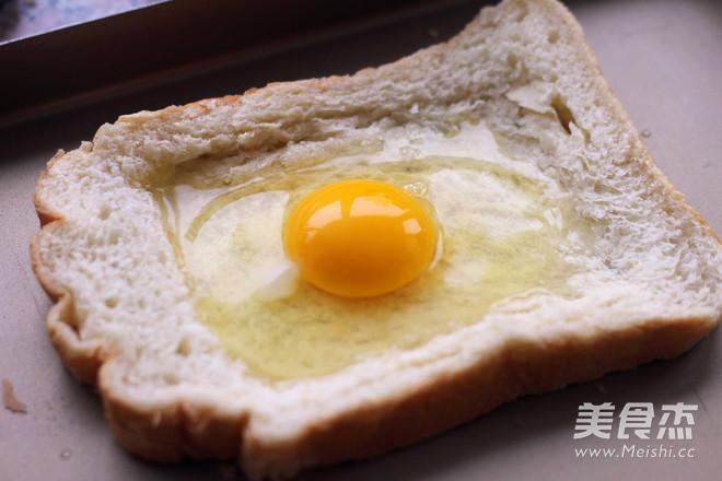太阳蛋吐司的家常做法