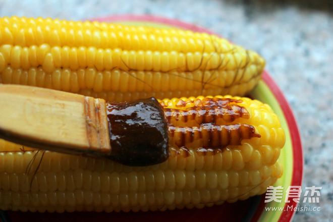 酱香烤玉米怎么吃