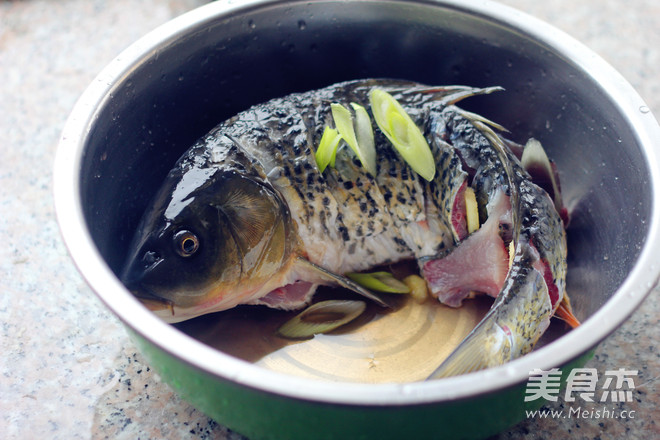 糖醋鲤鱼怎么吃