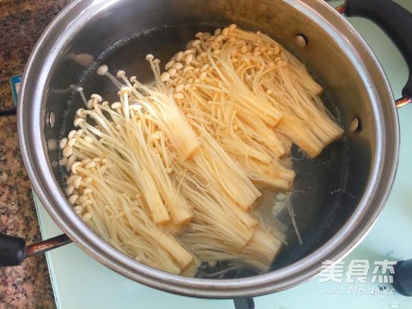 凉拌金针菇的家常做法