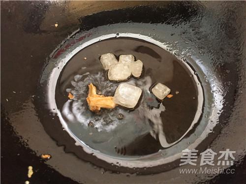 五花肉烧豆腐怎么做