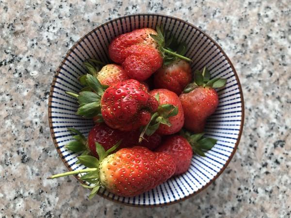 草莓酸奶红丝绒蛋糕的制作大全