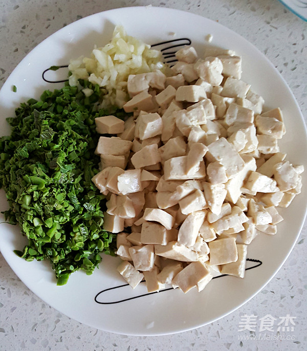香椿芽拌豆腐怎么做