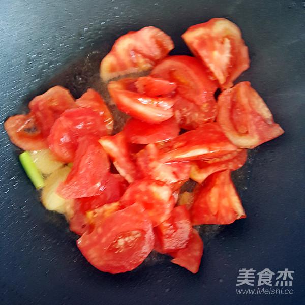 西红柿炖牛肉怎么炖
