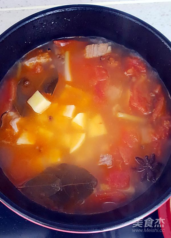 西红柿炖牛肉怎样炖