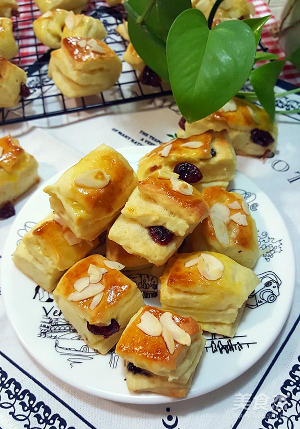 蔓越莓小面包块成品图