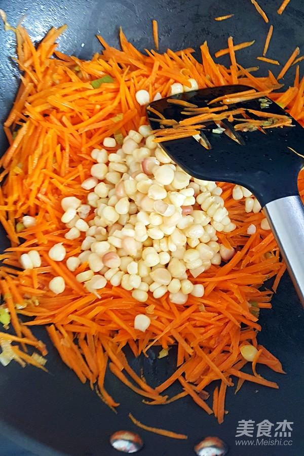 鸡蛋胡萝卜玉米粒炒米饭怎么炖