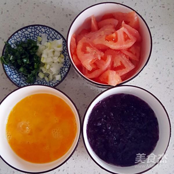 西红柿紫菜蛋花汤的家常做法