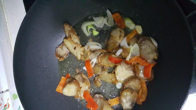 腊肠炒杏鲍菇的步骤