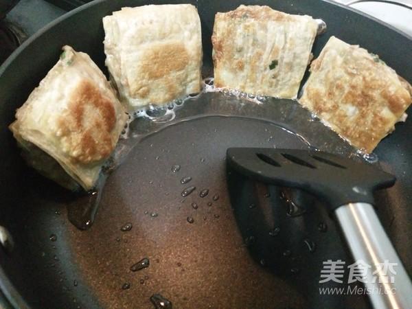 馄饨皮千层肉饼怎样煮